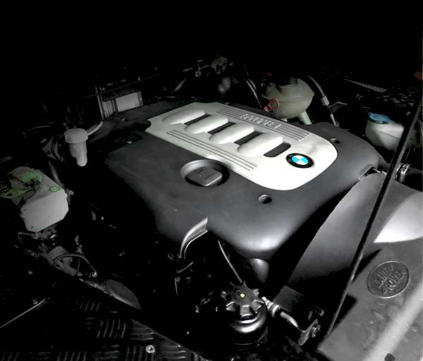 MW Machines BMW engine conversion into a Land Rover Defender